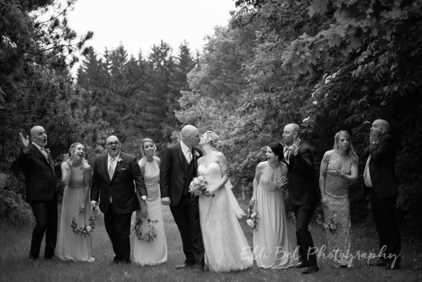 bride,groom,wedding party outdoor